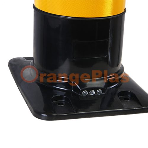D16 Square Base Flexible Bollard